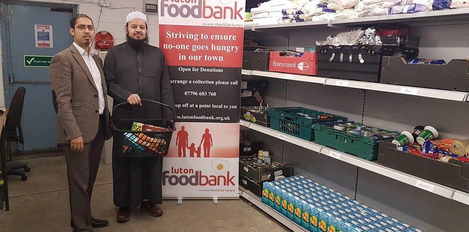 Imams Visit Luton Foodbank